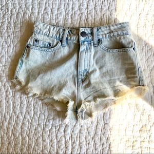 UO BDG Super High Rise Dolphin Light Jean Shorts